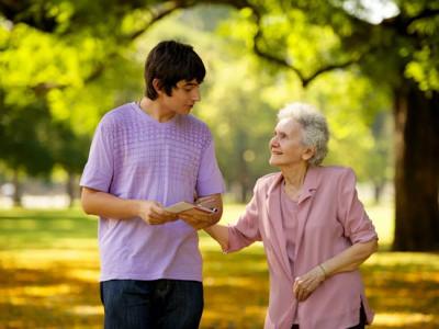 Как скрасить одиночество пожилого человека?