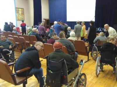 Пожилые и инвалиды, проживающие в интернате, воспользовались избирательным правом